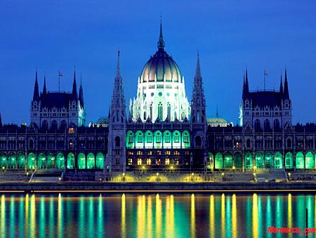 Parlamento por la noche